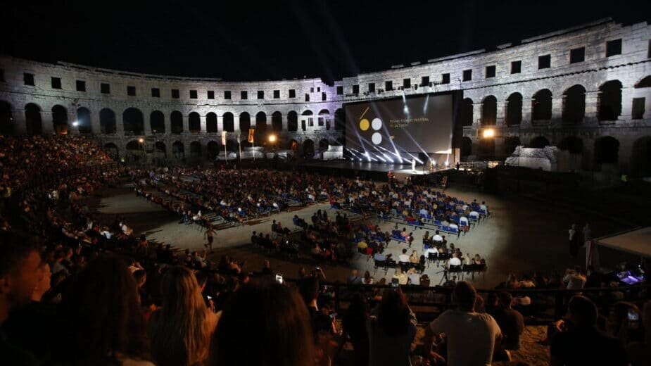 "Film ""Južni vetar 2: Ubrzanje"" prikazan sinoć pred prepunom Pulskom arenom (FOTO) 3"