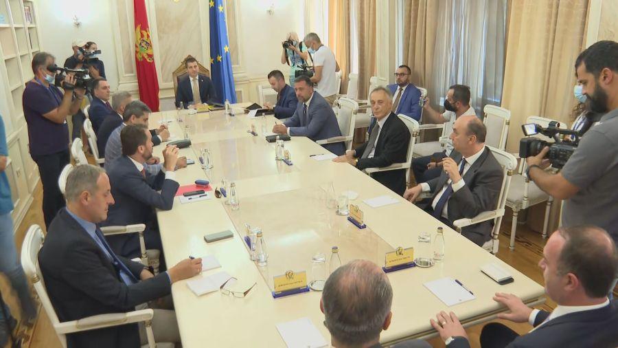 Aleksa Bečić: Dijalog nema alternativu, nastavak u avgustu 1