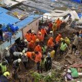U Indiji 124 osobe stradale u klizištima 11