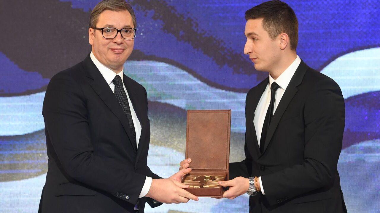 "Radović: I Milošević bio ""počasni građanin"" pa je pao sa vlasti 1"