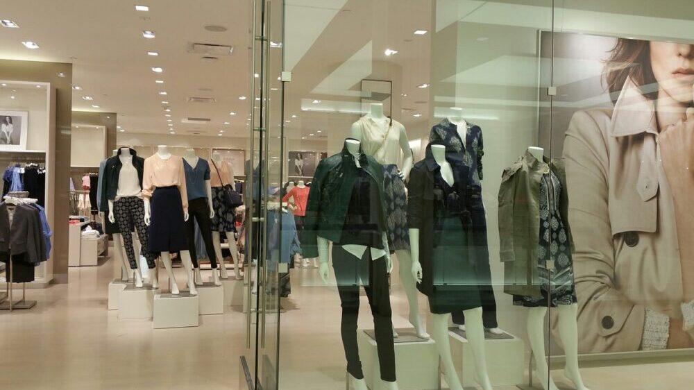 Žene u pantalonama i muškarci u suknjama 3