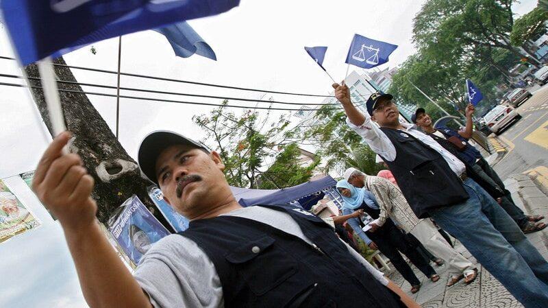U Maleziji protesti protiv vlasti uprkos zabrani okupljanja zbog korona virusa 1