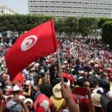 Predsednik Tunisa raspustio parlament i otpustio premijera posle demonstracija 17