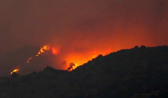 Kipar: Države poslale pomoć za gašenje šumskih požara, ali opasnost nije prošla 1
