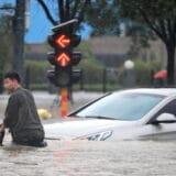 Strani novinari maltretirani tokom izveštavanja o poplavama u Kini 5