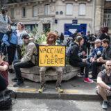 U Francuskoj protesti zbog obavezne sanitarne propusnice 16