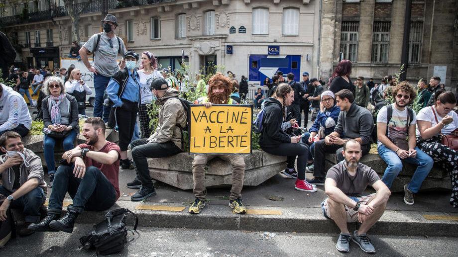 U Francuskoj protesti zbog obavezne sanitarne propusnice 1
