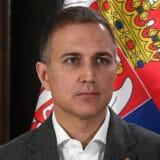 Stefanović najavio tužbu protiv Šešelja 6