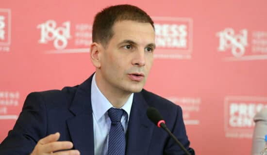 Jovanović (NADA): Građani poniženi, partijska knjižica danas najvažniji dokument 7