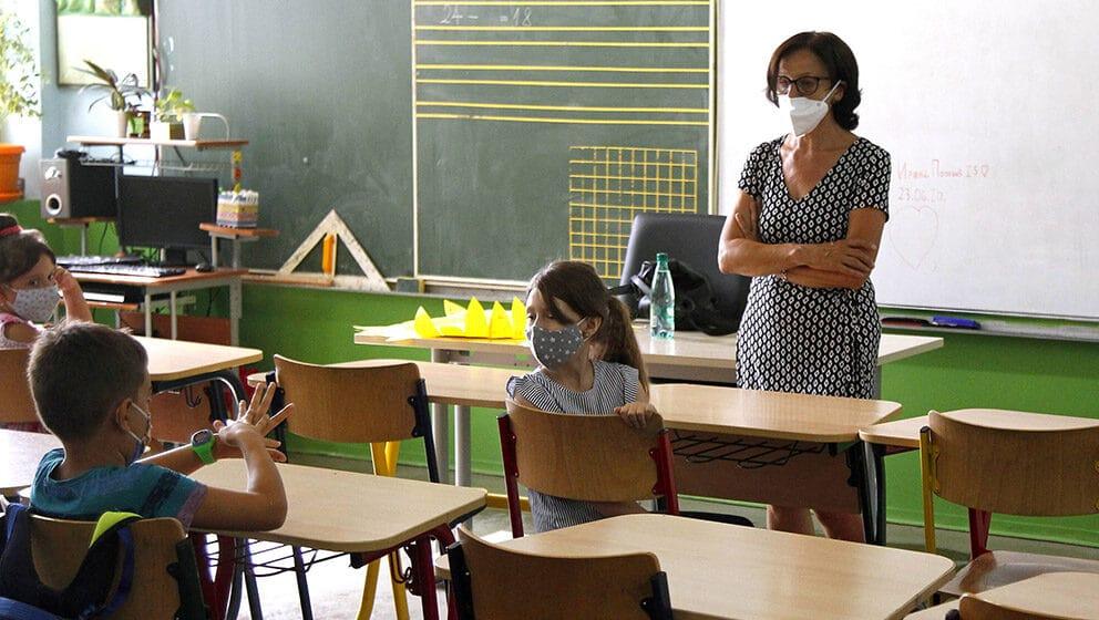 Ugovori na određeno u školama kao demonstracija moći 1
