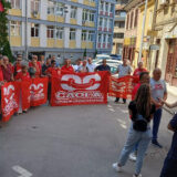 Skup podrške suspendovanom sindikalcu ispred užičke policije 5