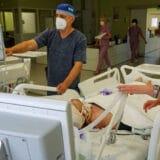 Nis, 29.10.2020. - Medicinski radnici zbrinjavaju pacijente u ne kovid delu, takozvanoj zelenoj zoni, niskog Klinickog centra. (BETAPHOTO/SASA DJORDJEVIC/MO)