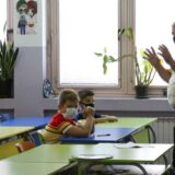 Nakon povratka s rekreativne nastave 18 učenika i dve učiteljice pozitivni na korona virus 6