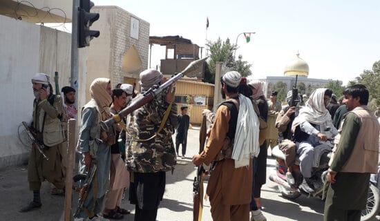 Islamska država preuzela odgovornost za napade na talibane 12
