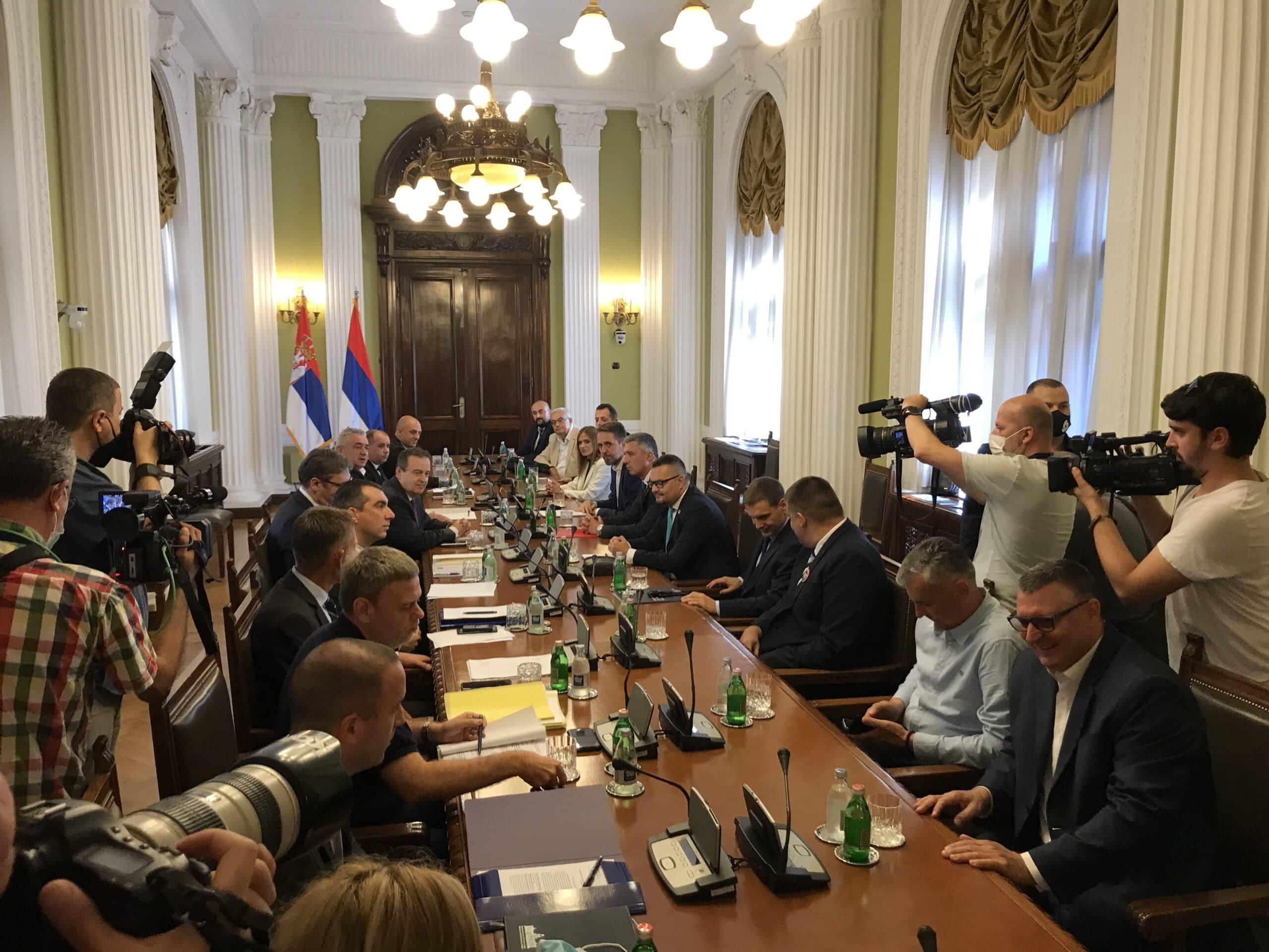 Počeo novi sastanak vlasti i opozicije bez stranih posrednika, učestvuje i Vučić 2