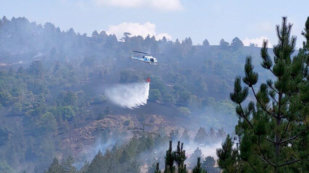 Požar u okolini Kumanova gase četiri helikoptera MUP-a Srbije 1