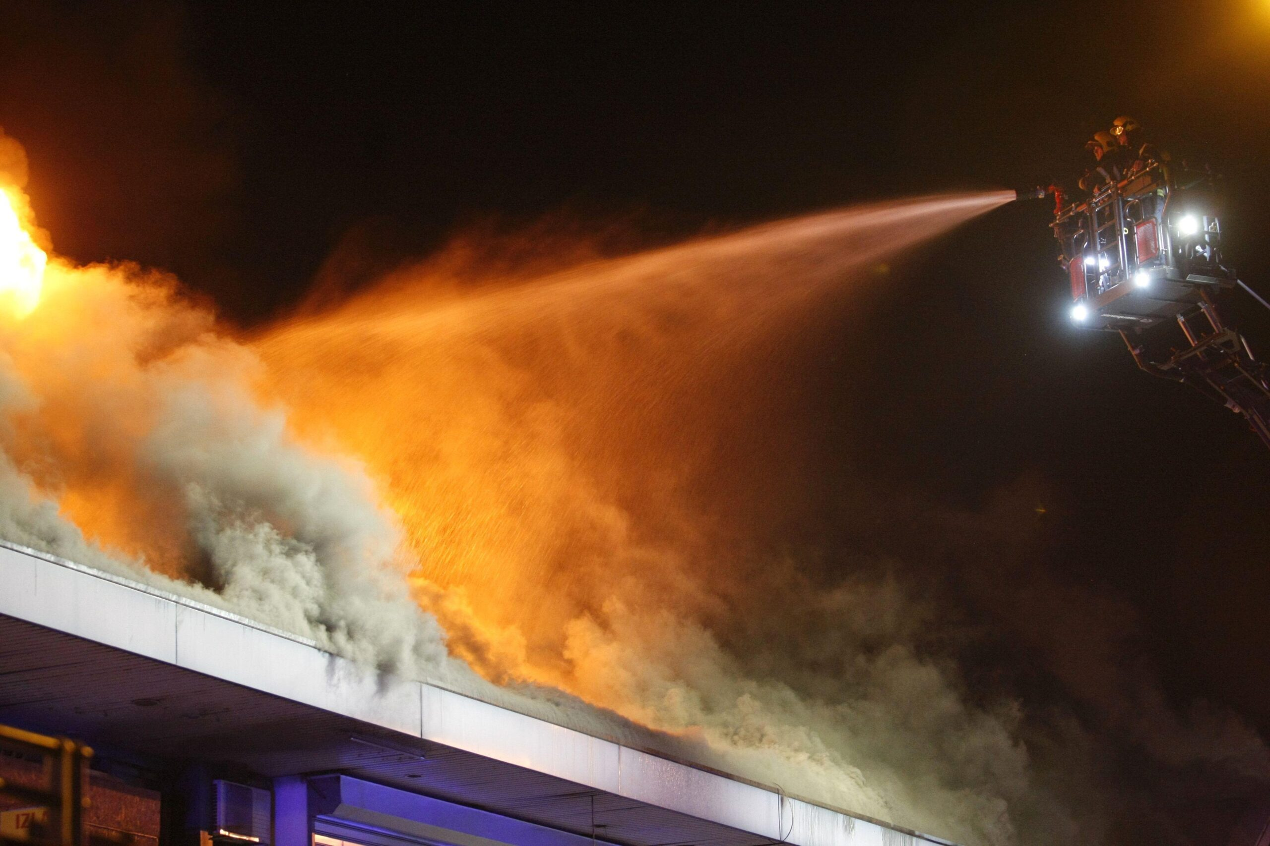 Požar u odmaralištu blizu Atine stavljen pod kontrolu 1