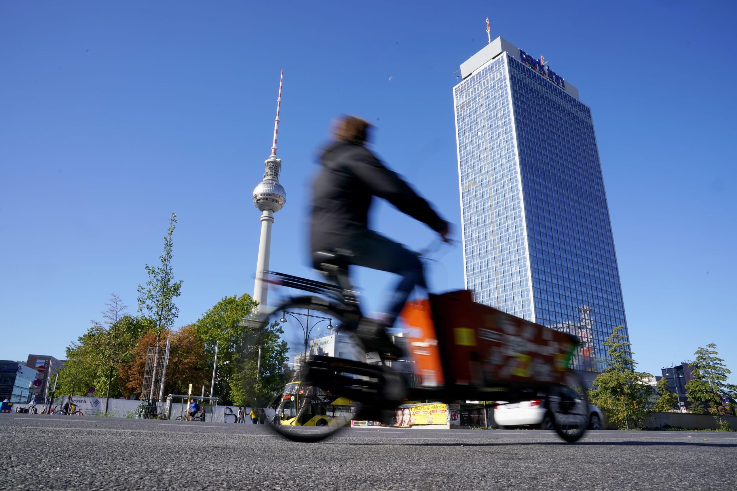 Dostava električnim kargo-biciklima 60 odsto brža nego kombijima 7