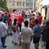 Skup podrške suspendovanom sindikalcu ispred užičke policije 11