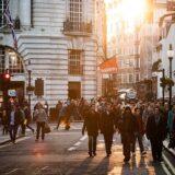 Građani 25 zemalja kažu da su ekonomije nameštene za bogate i moćne 5