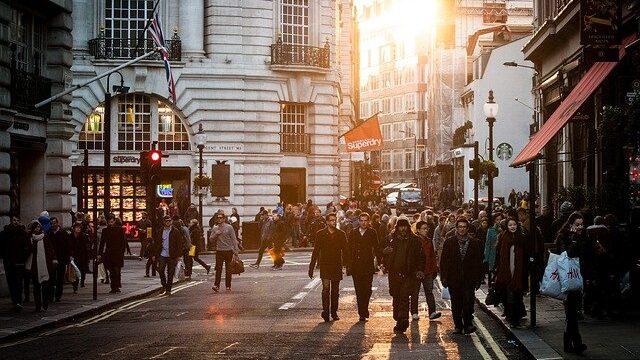 Građani 25 zemalja kažu da su ekonomije nameštene za bogate i moćne 1