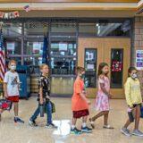 U Kaliforniji nastavnik korona virusom zarazio 18 đaka 1