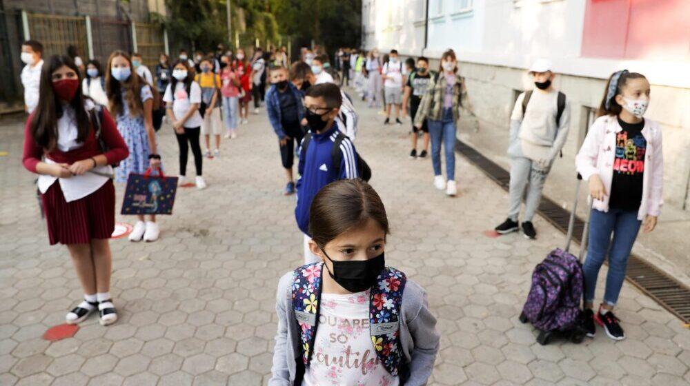 Učenici u Izraelu neće moći da uđu u školu bez negativnog testa 1
