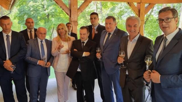 "Da li iskrena desnica sa Vučićem ""rujno vino pije"" 12"