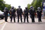 U Berlinu održani protesti protiv novih kovid mera, oko 500 uhapšenih u sukobu sa policijom (FOTO) 4