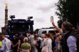 U Berlinu održani protesti protiv novih kovid mera, oko 500 uhapšenih u sukobu sa policijom (FOTO) 5