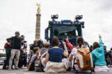U Berlinu održani protesti protiv novih kovid mera, oko 500 uhapšenih u sukobu sa policijom (FOTO) 6