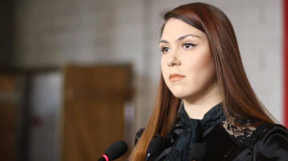 Nedeljković: Narod neće zaustaviti vodeni topovi, pendreci, batinaši u civilu ili uniformi 1