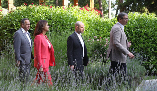 Predsednik Aleksandar Vucic sastao se sa posrednicima Evropskog parlamenta u medustranackom dijalogu Tanjom Fajon,Vladimirom Bilcikom i Knutom Flekenštajnom