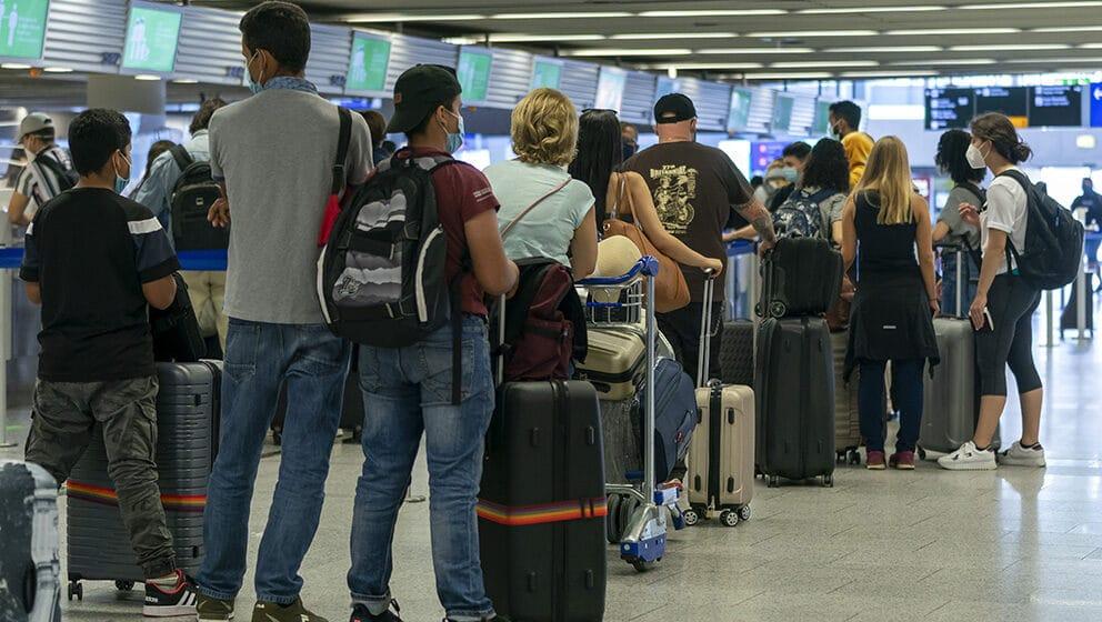 Zbog odlaska mladih Srbija gubi 900 miliona evra godišnje 1