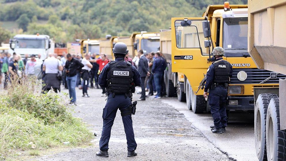 """RSE : Na barikade na severu """" po službenoj obavezi"""" 1"""
