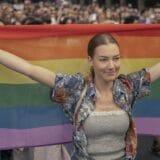 LGBT i Srbija: Beogradski Prajd prošao mirno, učesnici tražili usvajanje Zakona i istopolnim zajednicama 9