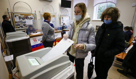 Rusija, politika i izbori: Putinova stranka i dalje najjača, opozicija o neregularnostima 12