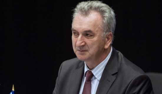 Šarović: Sve što je Vučić rekao je politika koju sprovodi SDS, da li je i Vučić za SNSD izdajnik 13