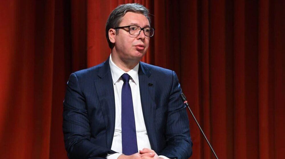 Šta su naprednjaci pričali o Vučiću u njegovom odsustvu? 1