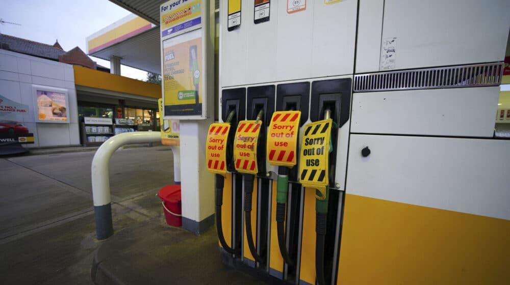 Benzinske pumpe u Velikoj Britaniji zatvorene zbog problema sa isporukom 1