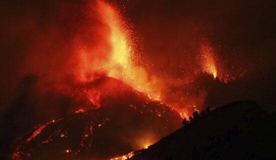 Lava i dalje izlazi iz vulkana na Kanarskim ostrvima, evakuisano 5.000 ljudi 12