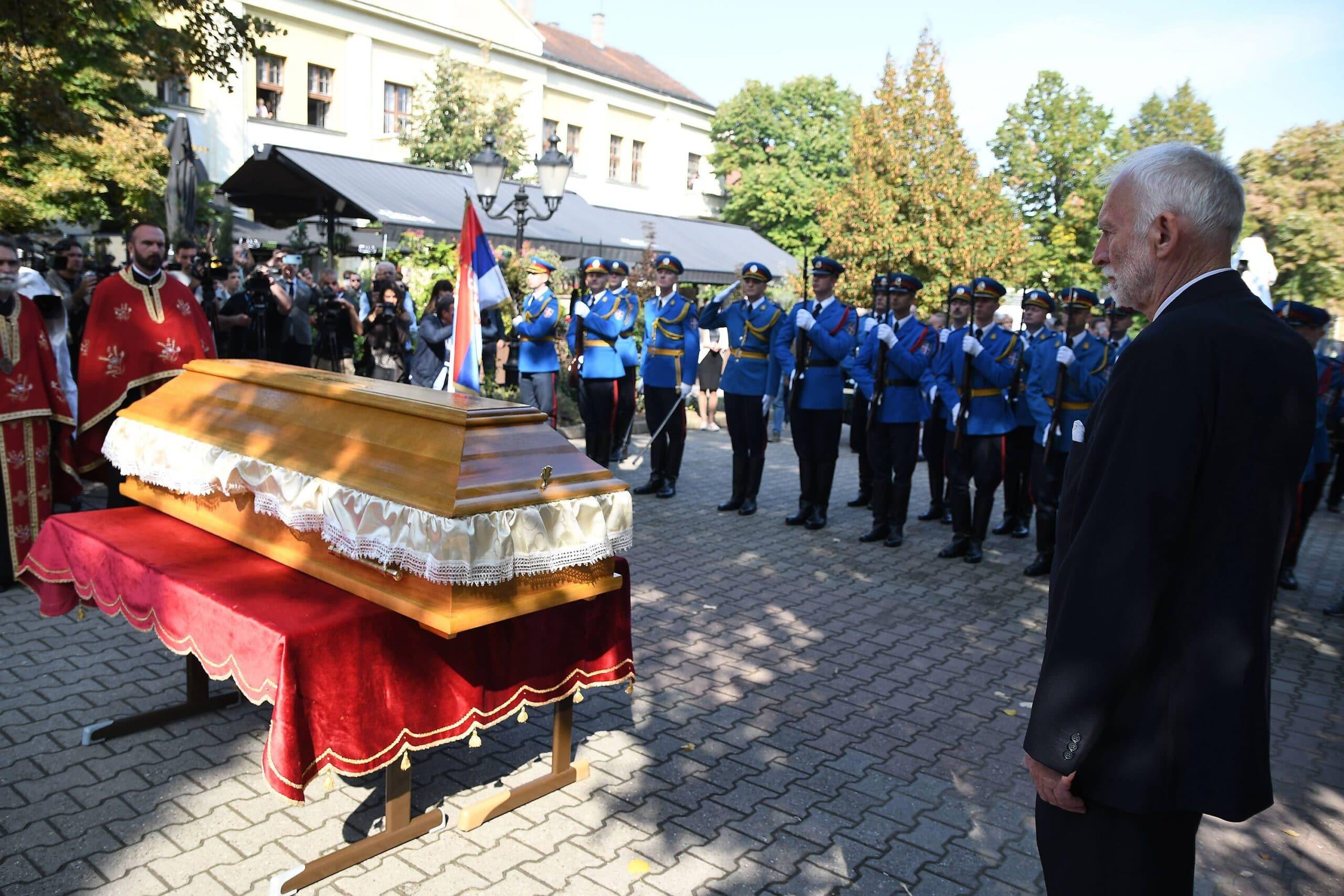 Posmrtni ostaci generala Stratimirovića preneti u Sremske Karlovce 2
