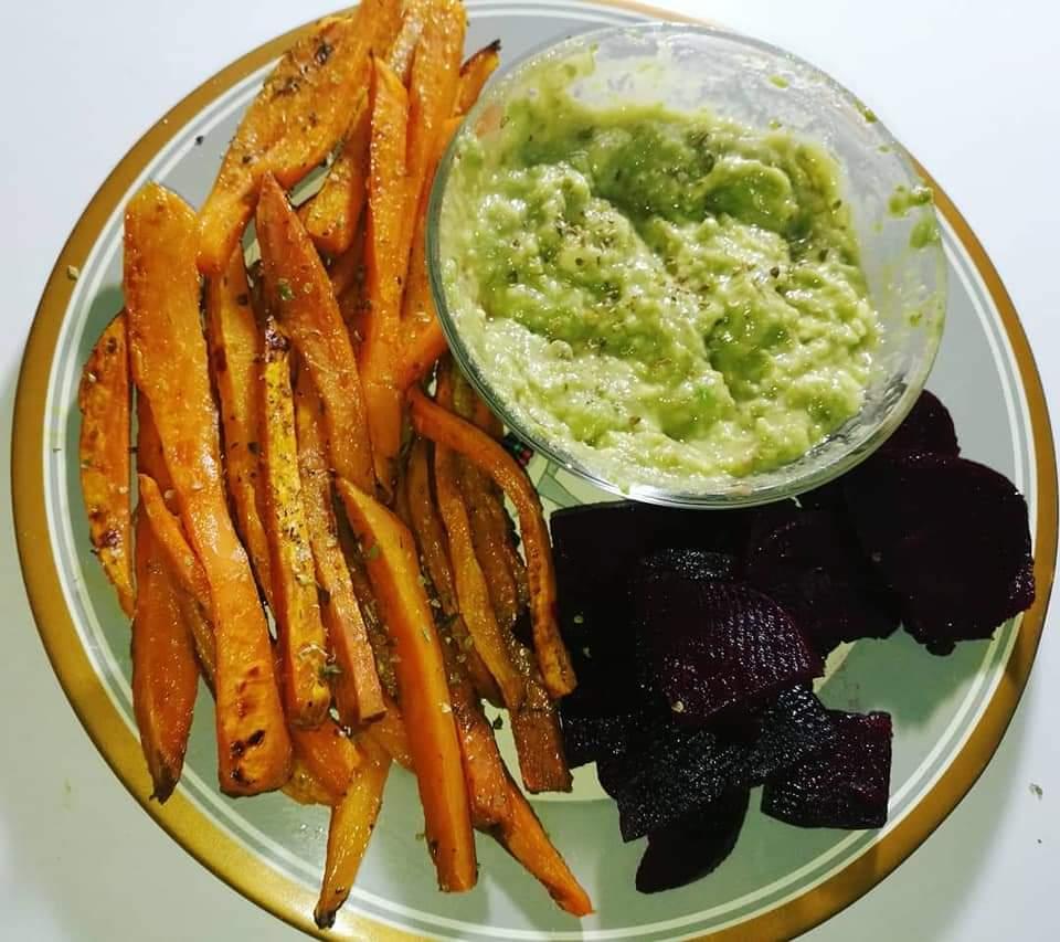 Vege recept: Pomfrit od batat krompira sa umakom od avokada 2