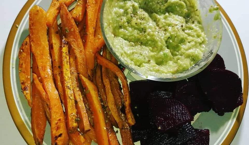 Vege recept: Pomfrit od batat krompira sa umakom od avokada 1