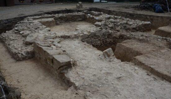 Završena prva sistematska arheološka iskopavanja rimskog utvrđenja Gerulata na Miroču 12