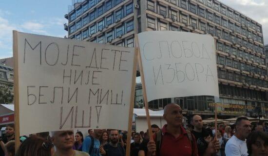 Počeo Antiglobalistički skup na Trgu republike (FOTO) 13