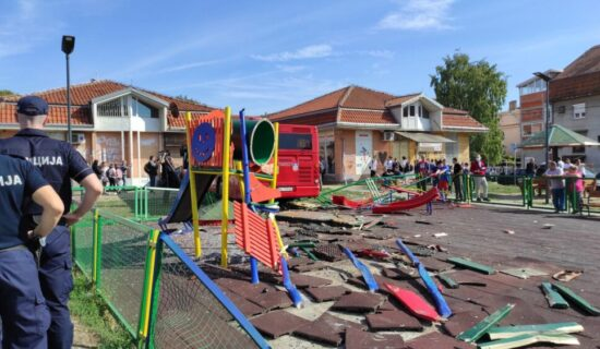 Autobus uleteo u dečje igralište u Zemunu, pet osoba povređeno 13