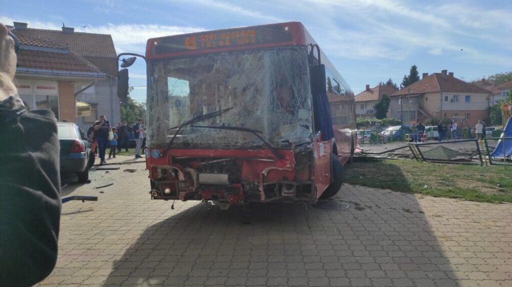 MUP: Uhapšen sedamdesetdvogodišnji vozač autobusa koji je uleteo na igralište u Zemunu 1