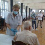 U Šumadiji više od 10.000 ljudi primlo treću dozu vakcine 11