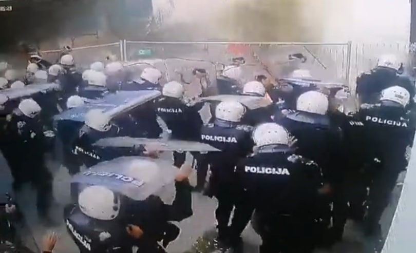 Objavljen snimak bacanja molotovljevog koktela na policiju u Crnoj Gori (VIDEO)